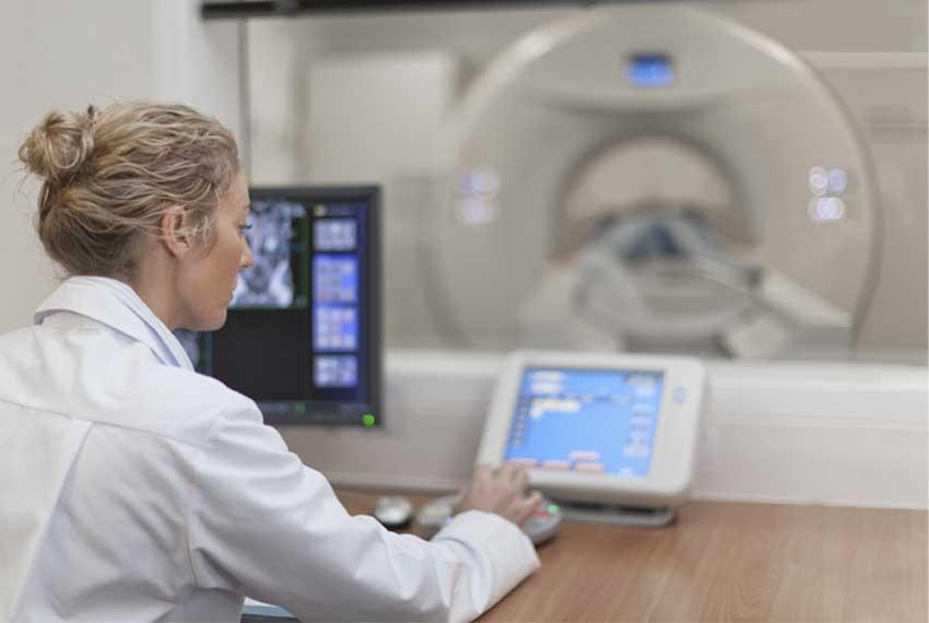 Infos bei Brustkrebs // Link auf Artikel zu den Unterschieden von CT und MRT